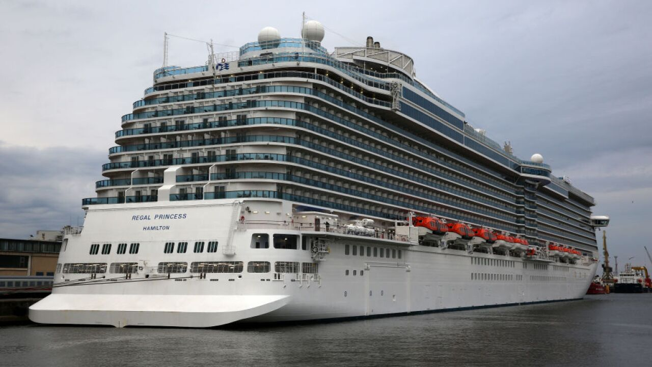 Cruise ship season begins in Rostock