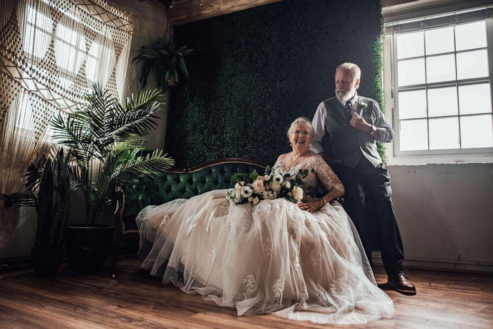 photographer-captures-grandparents-anniversary-04-ht-np-190628_hpEmbed_3x2_992.jpg