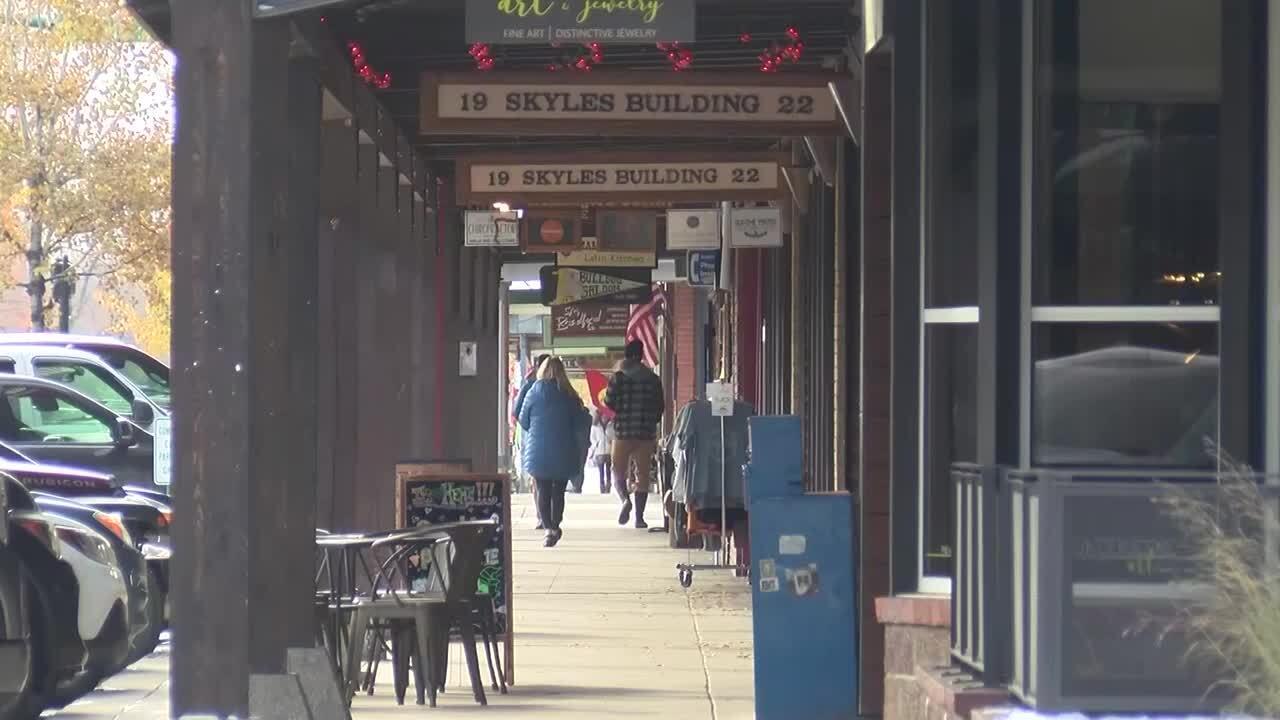 Flathead County retail store owners debate reopening