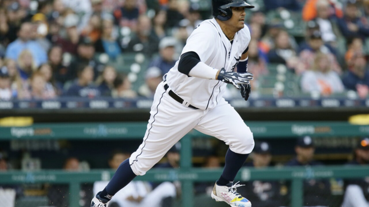 WATCH: Victor Martinez singles in final MLB at-bat