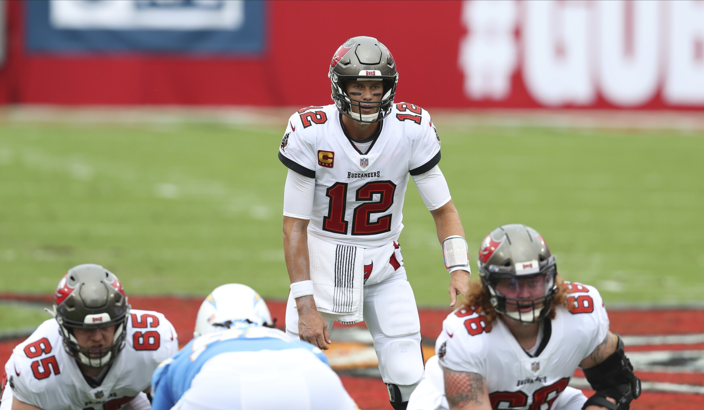 bucs-chargers-game-ap-image