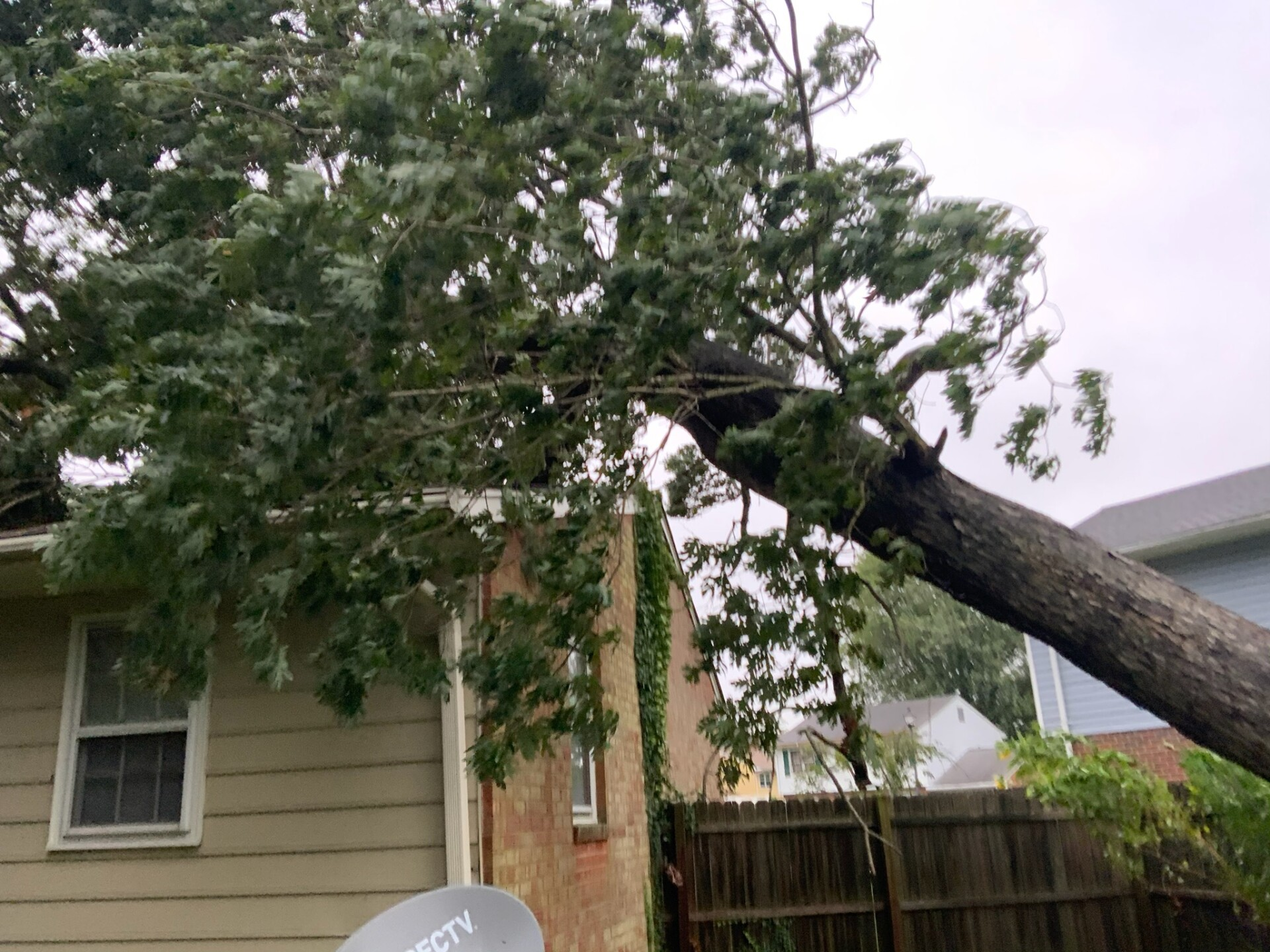 Hampton damage (News 3 viewer Lavar Taylor) 1.jpg