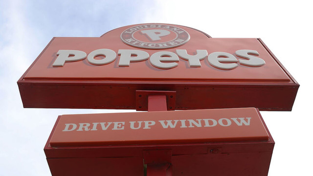 Window at New York Popeyes gets smashed when meal doesn't come with drink