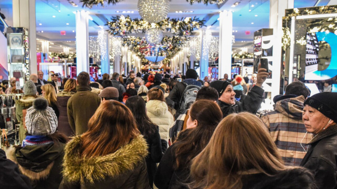 Ohioans expected to increase holiday shopping spending