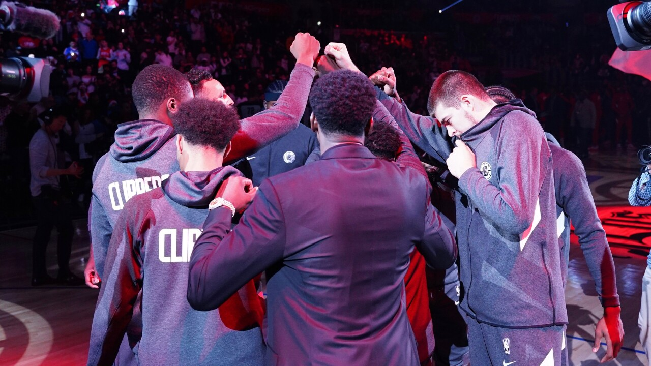 Clippers Huddle.jpg