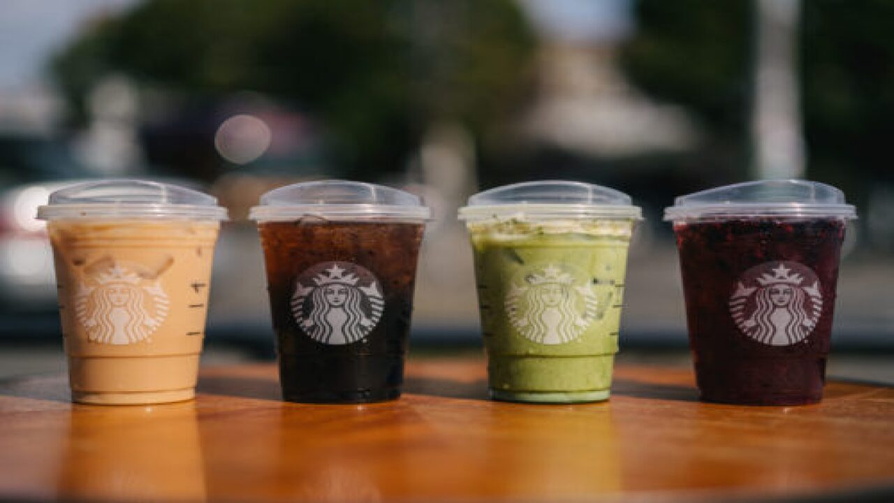 Starbucks Iced Drinks Will Now Come With Strawless Lids