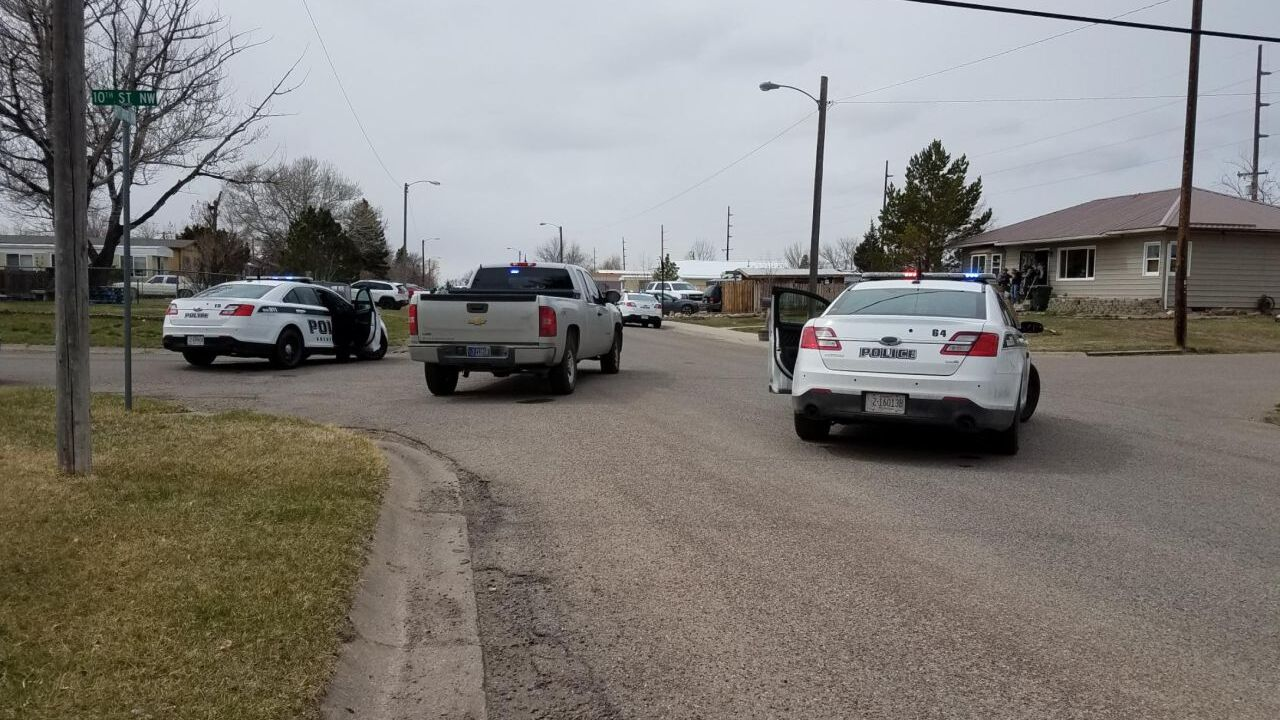 Stand-off between suspect and police in Great Falls
