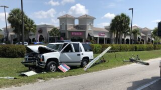 SUV into power pole in Fort Myers