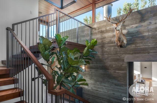 NFL player's San Diego home is on the market