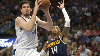 Mavs avoid 3-game skid with 113-97 win over Nuggets