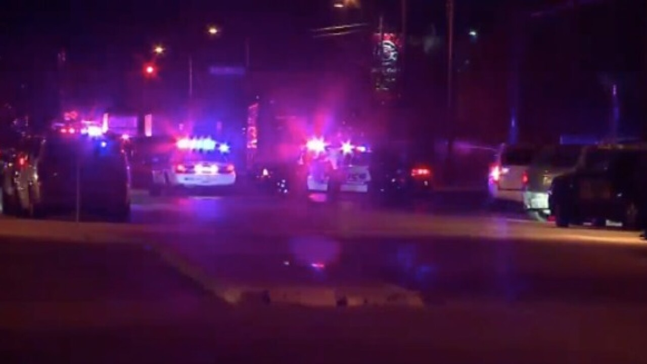 Police: 3 people shot and wounded at Albuquerque business