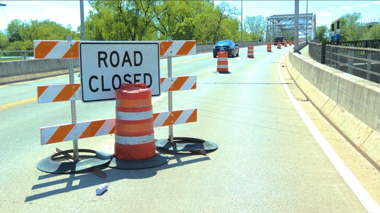 lane_closure_4th_street_bridge.jpg