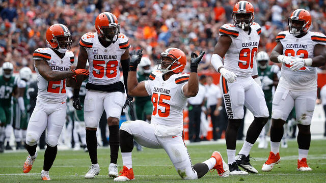Browns' Myles Garrett pays homage to Cavaliers guard J.R. Smith by dancing on field