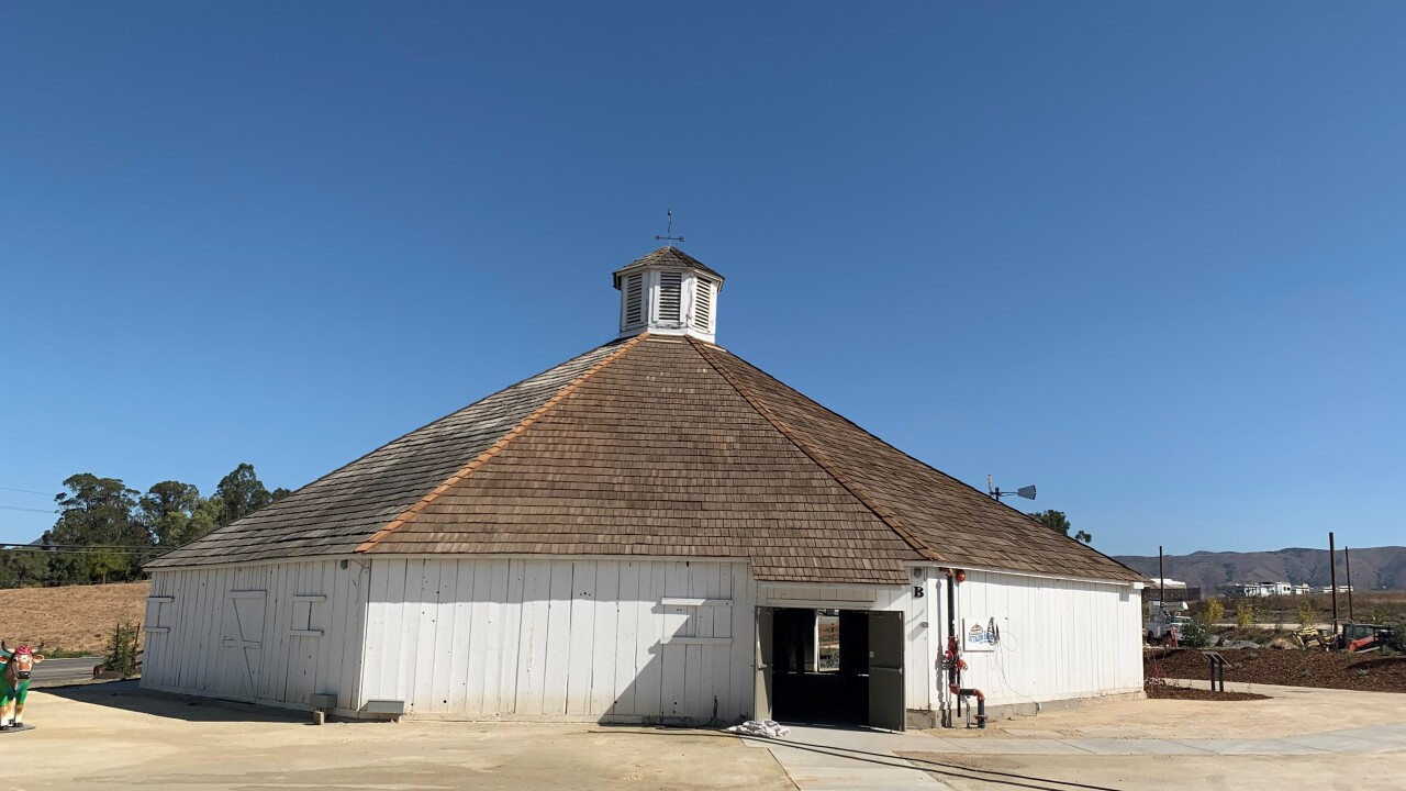 octagon barn.jpg
