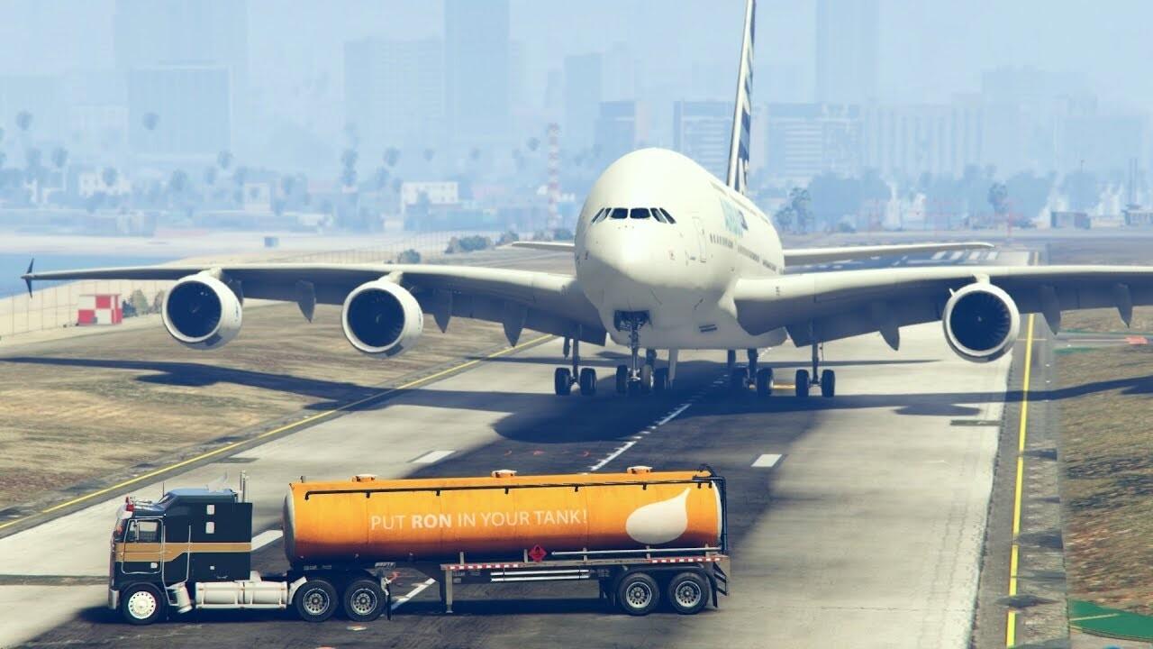 plane fuel tanker.jpg