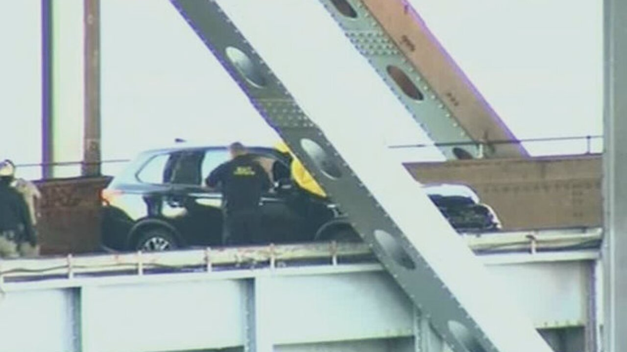 1 dead, 2 hurt in shooting on San Francisco-Oakland Bay Bridge