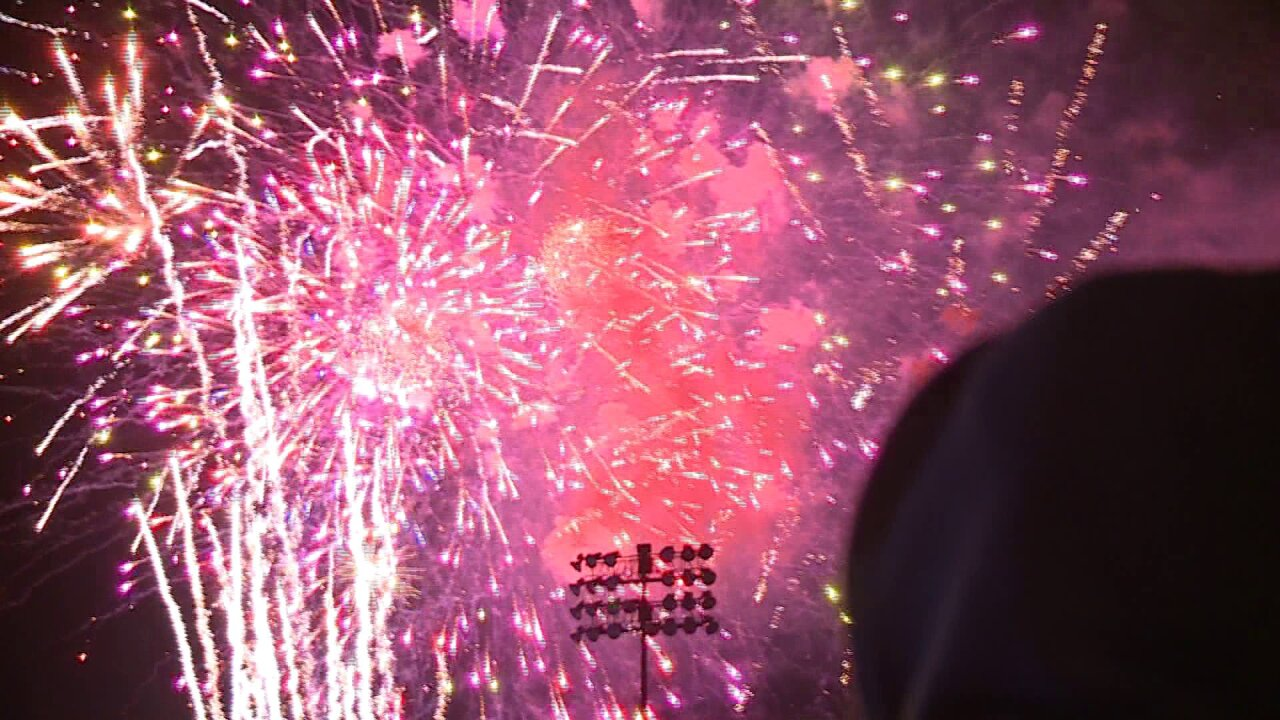 Fireworks set to music of 'Hamilton' illuminates Diamond before musical's Richmond debut