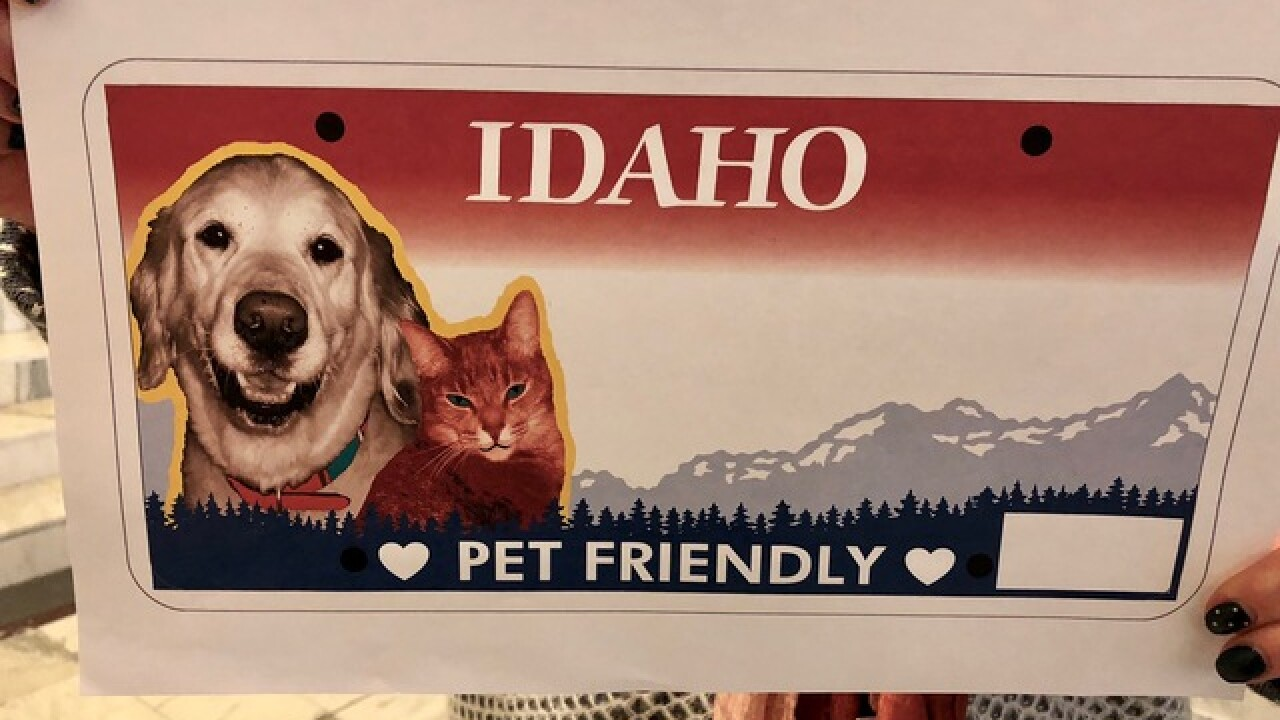 """Pet friendly"" license plate could soon be available in Idaho"