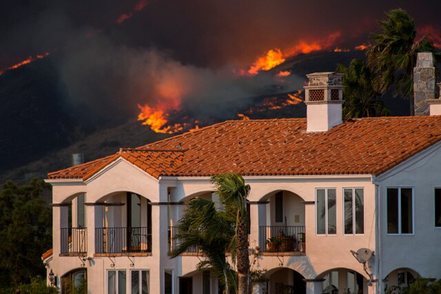 PHOTOS: Woolsey, Hill fires erupt in Ventura County