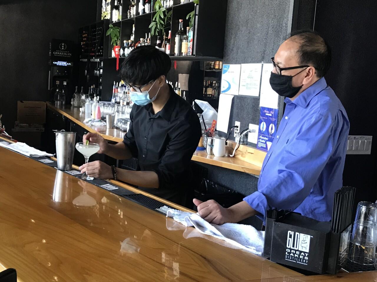 Momo Mee bartender