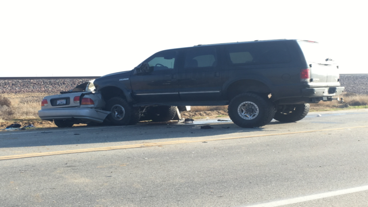 Fog a factor in a crash that killed one person on Santa Fe Way in