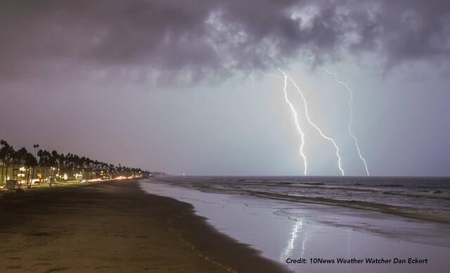 PHOTOS: Lightning strikes parts of San Diego