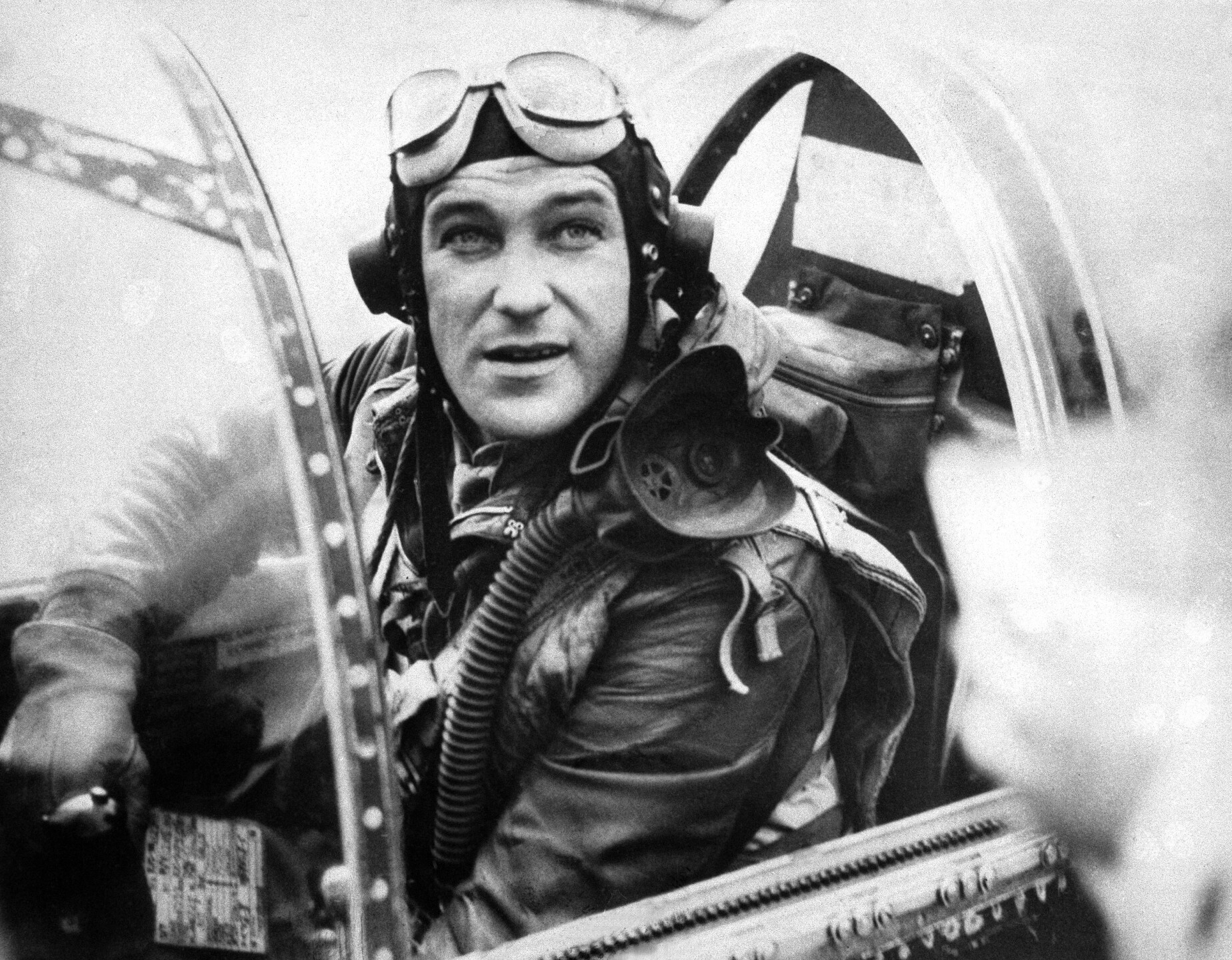 WWII England Mustang Fighter Commander