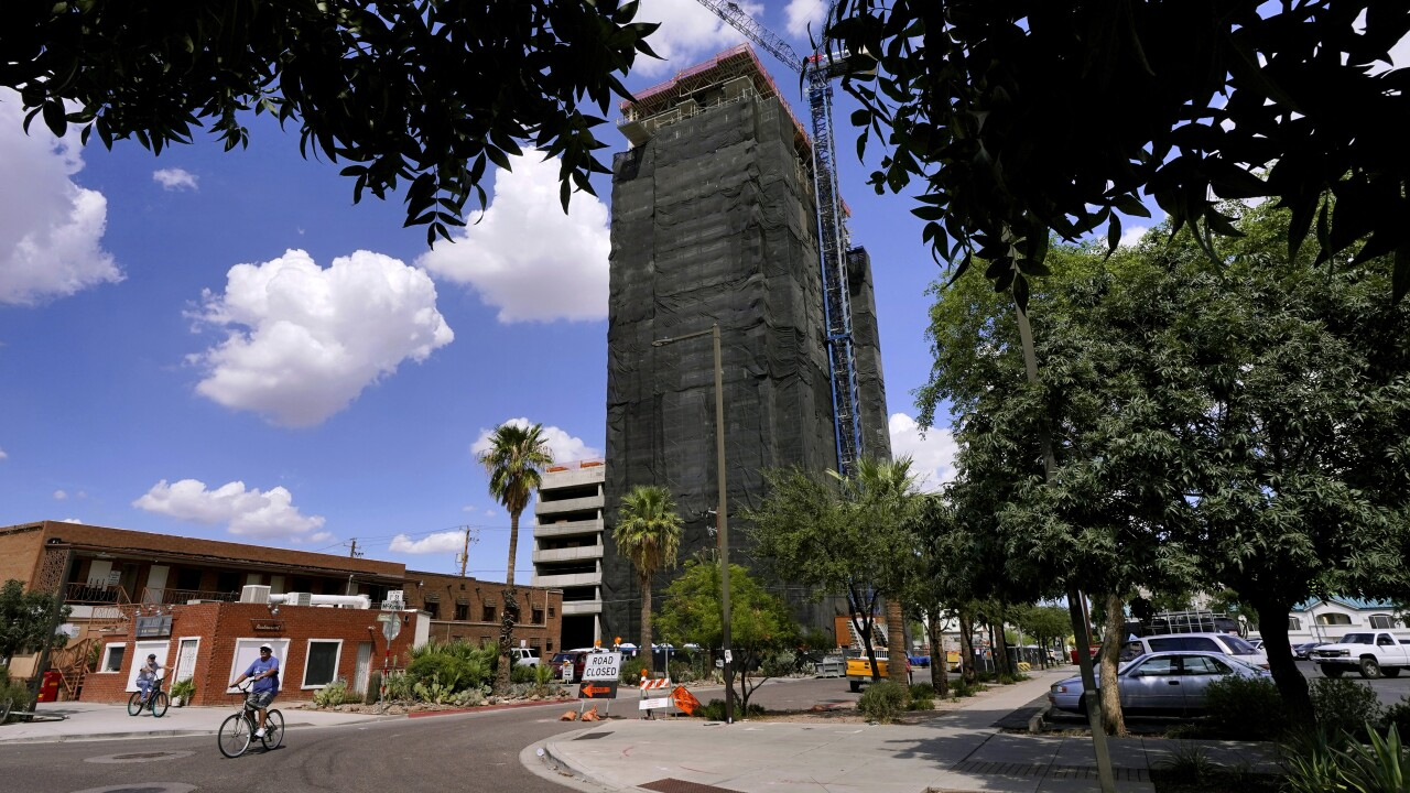 U.S. Census data show Phoenix was the fastest-growing big city in the United States between 2010 and 2020. AP photo.