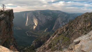 2 die after falling from overlook in Yosemite National Park