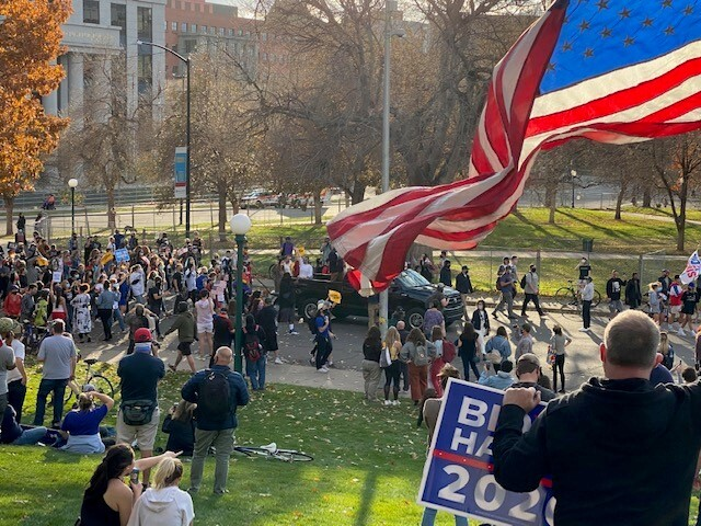 Crowd on front lawn of Capitol