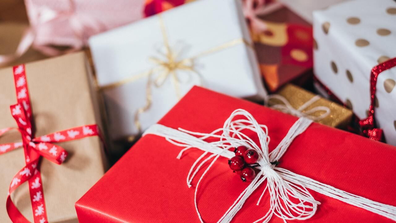 photo-of-christmas-presents-749354.jpg