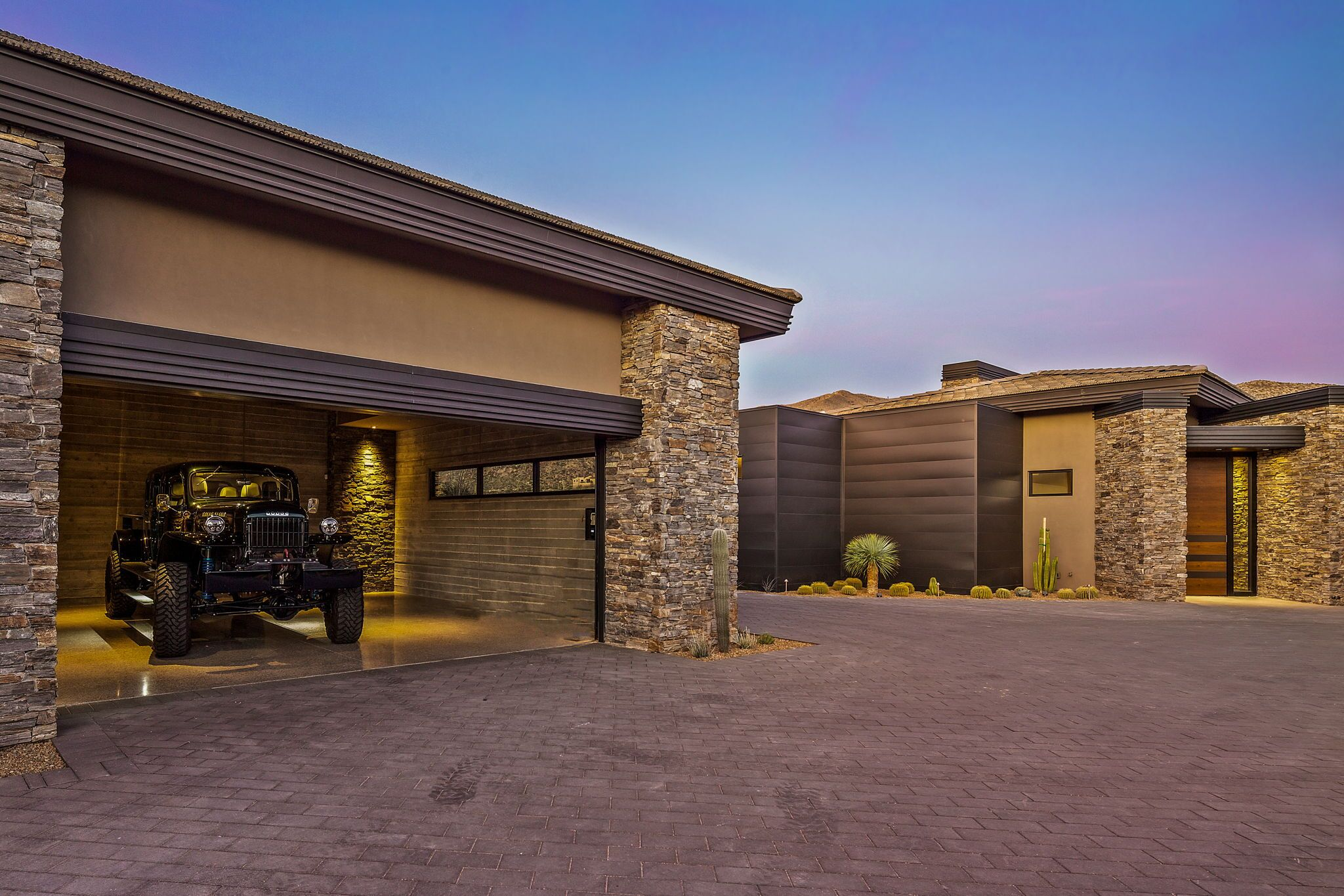 9300+E+Grapevine+Pass+Scottsdale-4-WebQuality-Garages+To+Guest+Casita.jpg
