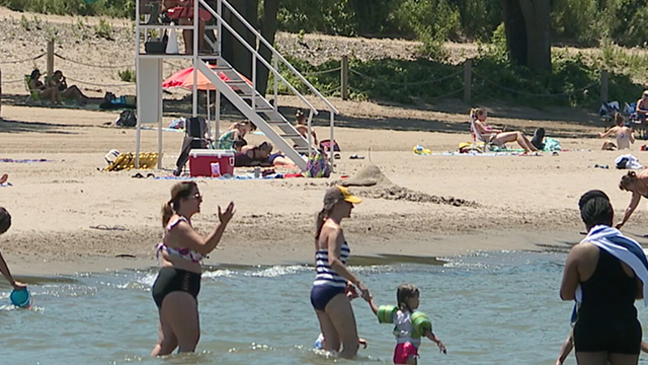 Swimming advisory lifted for Edgewater Beach after samples show lowered bacteria levels