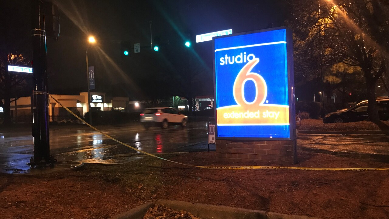 Man critically injured in Hampton shooting; police searching for stolenvehicle