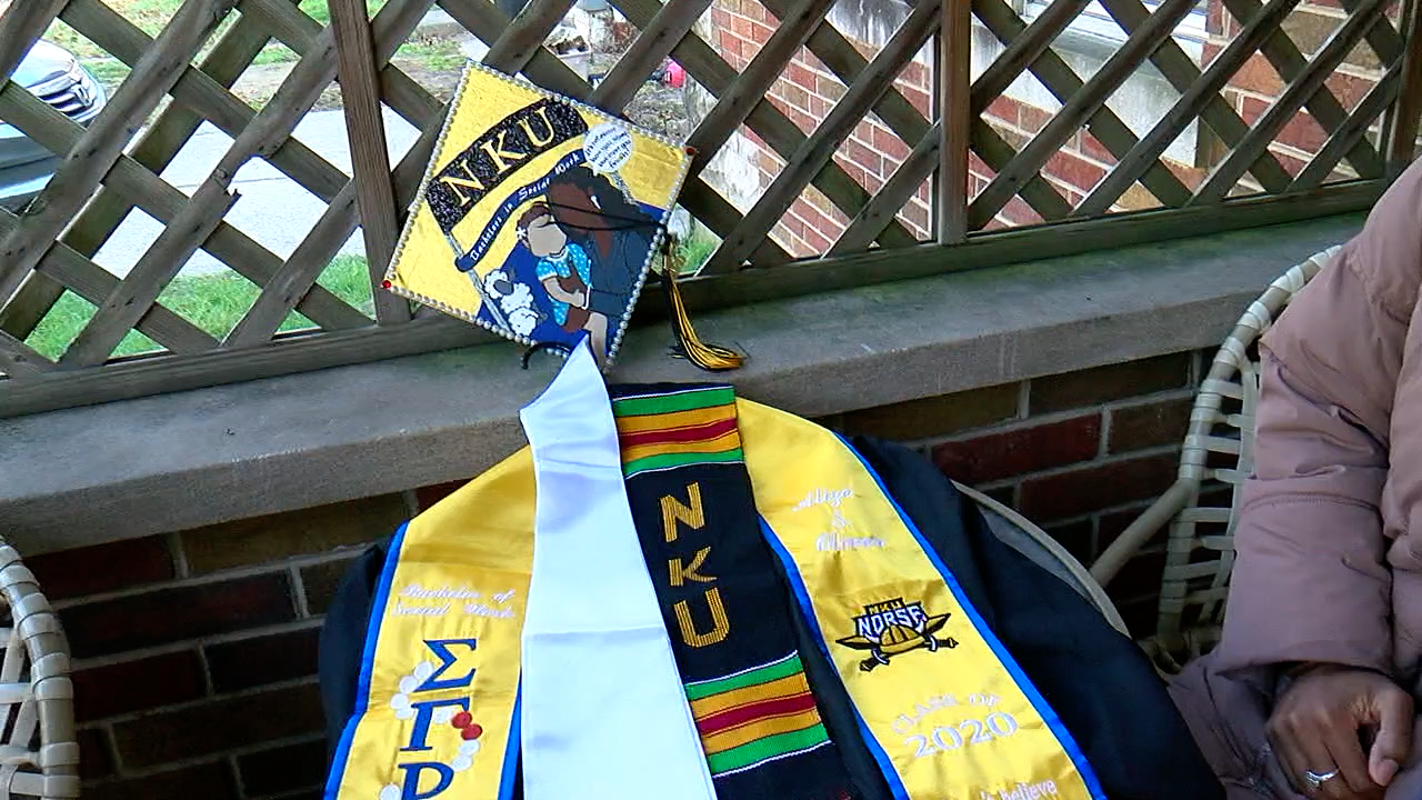 Alize Oliver's Graduation gown.png