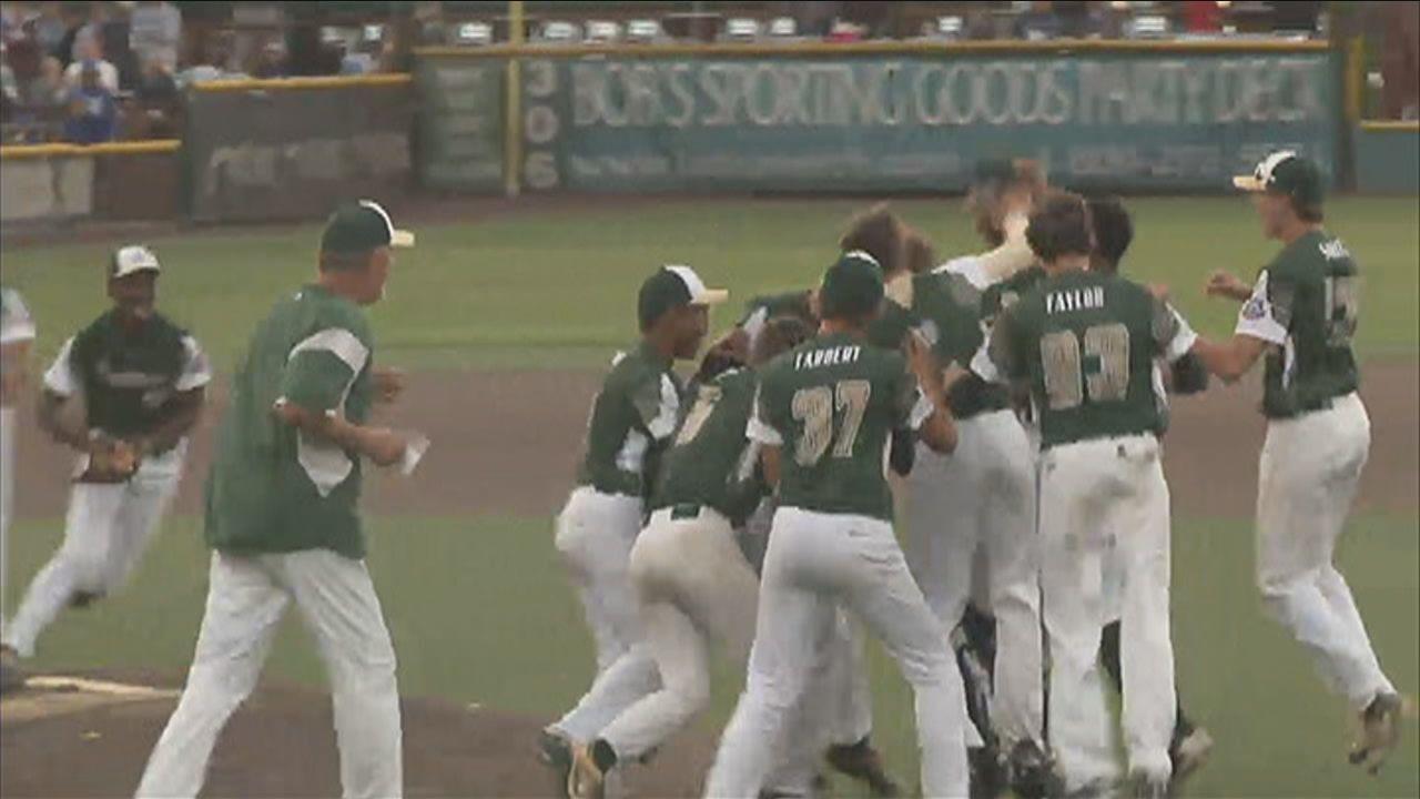 Tallahassee-Leon 15's Take Home World Series Title