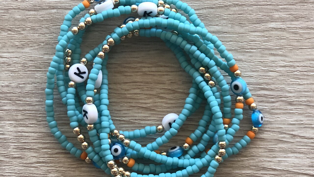 A Jupiter mom is bringing happiness to people with her handmade bracelet business.