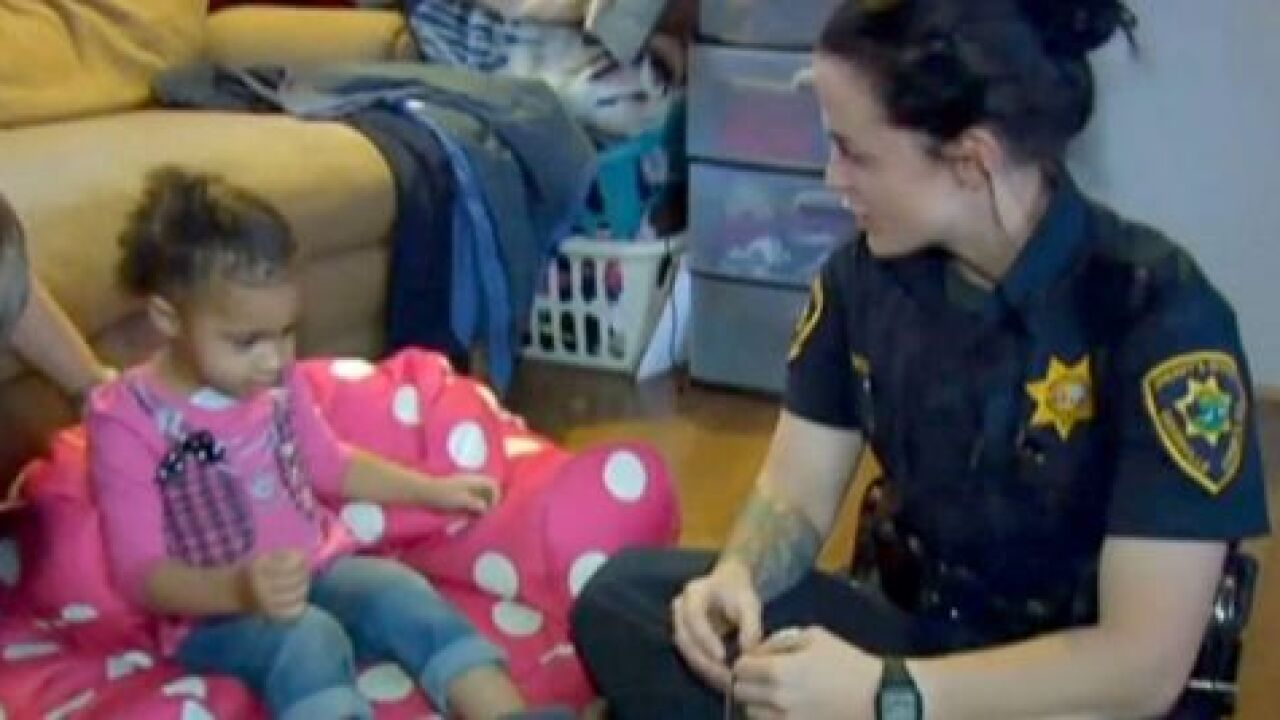 2-year-old calls 911 for wardrobe emergency