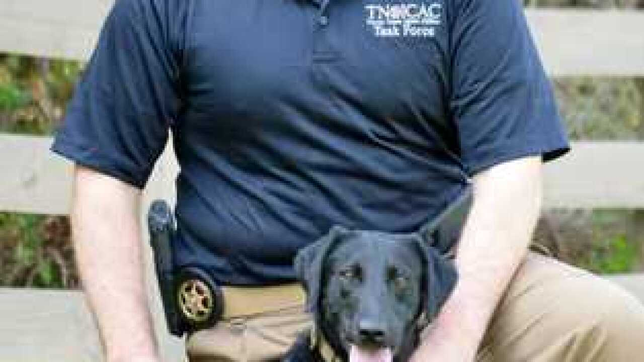 1st Electronics-Detecting K-9 Working In Tenn.