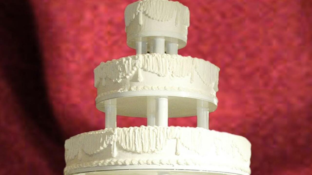 "Tennessee wedding cake shop refuses to serve gay couple, citing ""spiritual conviction"""