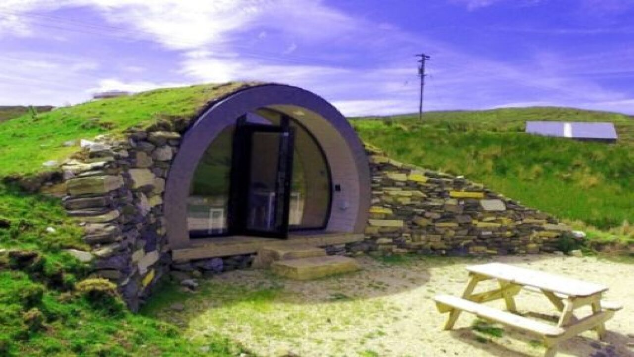 You Can Stay In An Airbnb Shaped Like A 'Hobbit Hole' For $100 A Night