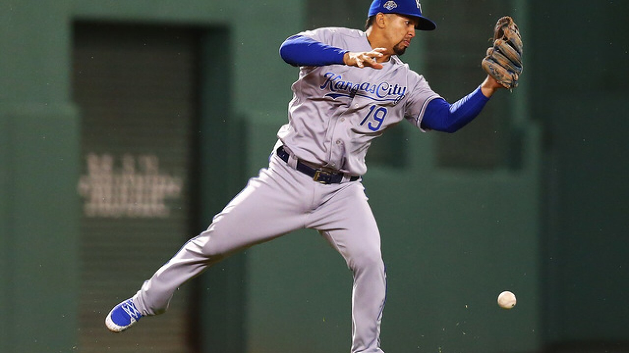 Boston batters Royals pitching for 10 runs, take game one of the series