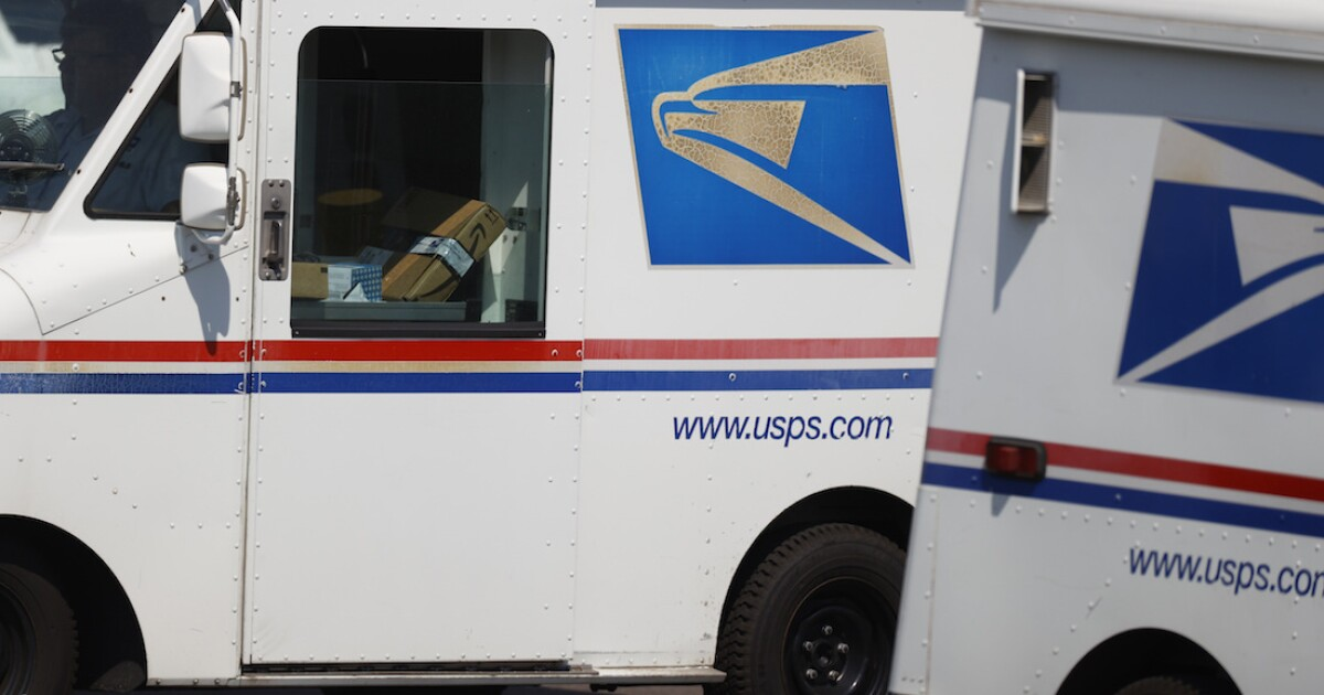 Suspect arrested after U.S. Postal Service truck is carjacked in Detroit