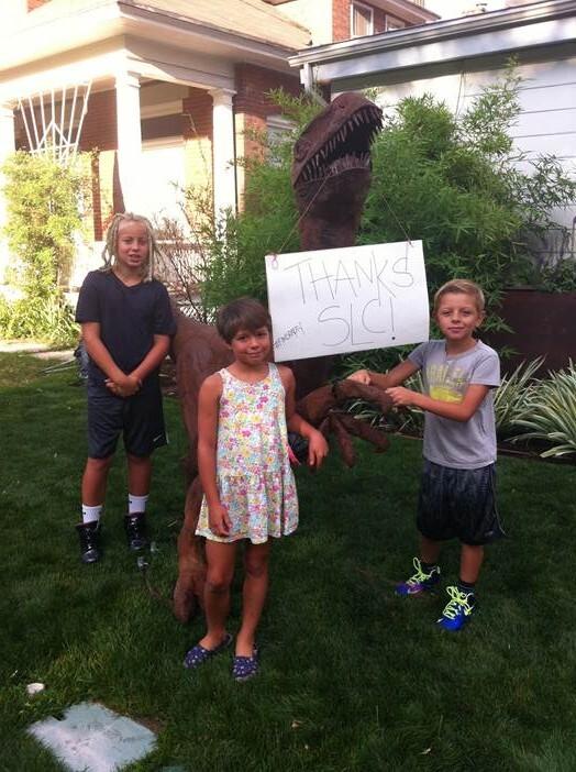Photos: 'Rapty' the raptor statuereturned