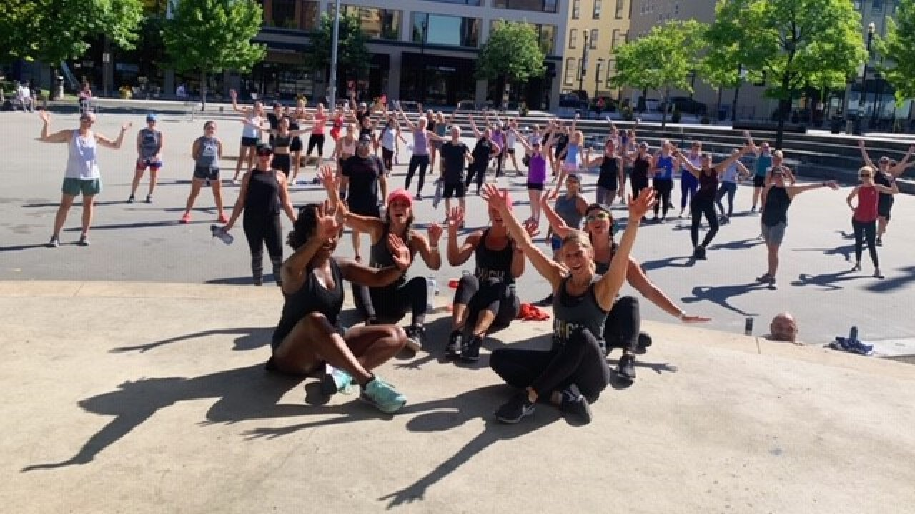 Kendra-Bylsma-Allegro-Coaching-outdoor-fitness-class-Rosa-Parks-Circle.jpg