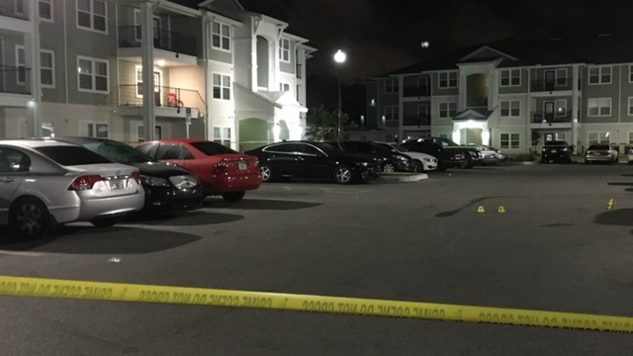 Officers injured in Sarasota apartment shooting