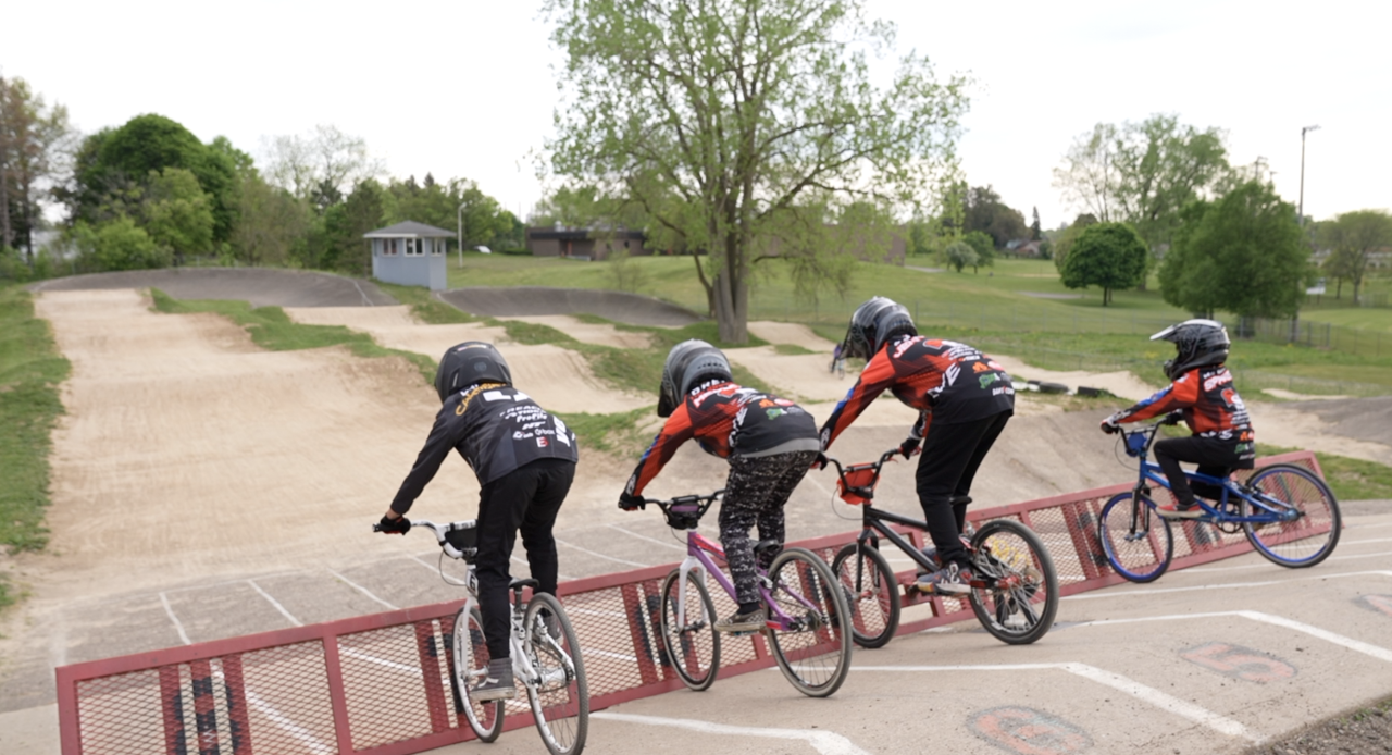 Kids lined up at Capital City Family BMX