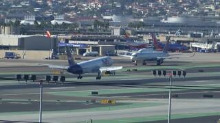 san_diego_airport_lindbergh_field_runway.jpg