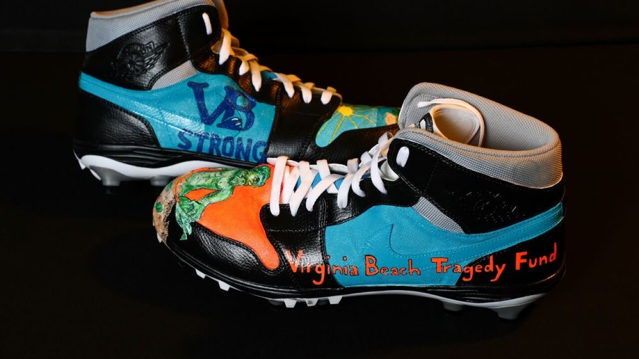 LOOK: NFL standout Derrick Nnadi wears cleats to benefit Virginia Beach Tragedy Fund