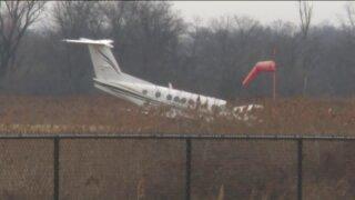 Small aircraft runs off runway at Morristown Airport in NJ: FAA